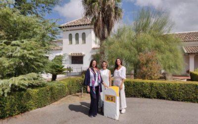 Acosta y García apoyando el empoderamiento de las personas más necesitadas